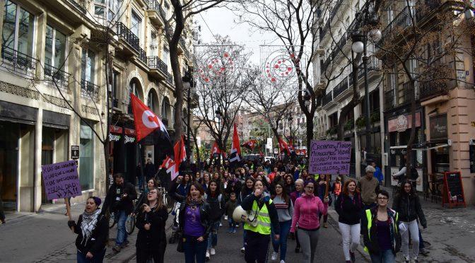 CNT participa actívamente en la jornada de huelga general del 8M en València