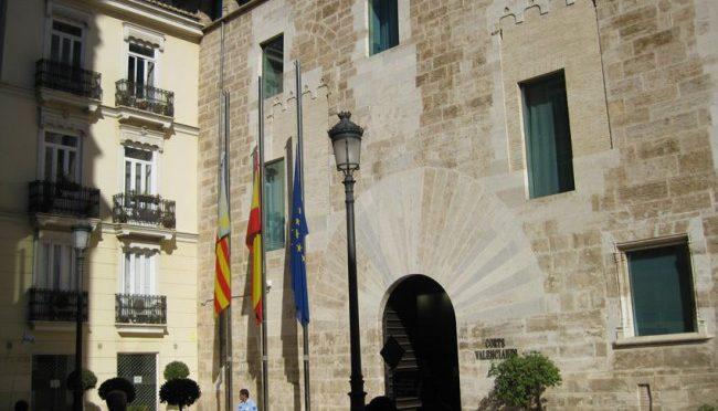 CNT se reune con el PP en les Corts Valencianes para exigir medidas contra la desigualdad
