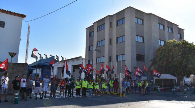 Un 90% de seguimiento en el primer día de huelga indefinida en SADA