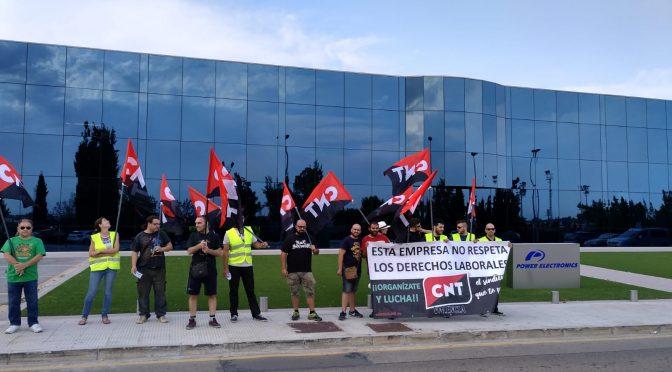 CNT València se concentra ante Power Electrónics en Paterna por entender que vulnera el derecho a la libertad sindical de los trabajadores