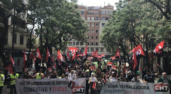 [FOTOS] 1º Mayo. Éxito rotundo en la Manifestación Alternativa de CNT València