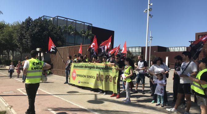 [CRÓNICA]: Dan comienzo las movilizaciones de CNT frente al conflicto sindical contra Bioparc València