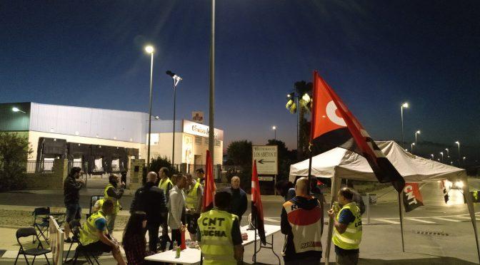 El matadero de La Cope en Torrent totalmente paralizado por la huelga de CNT